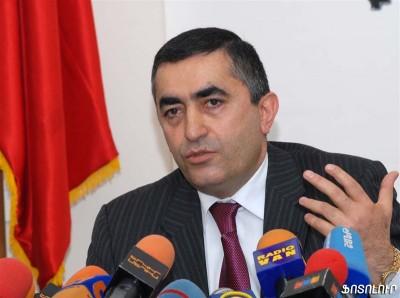 ArmenRustamyan2-400x298